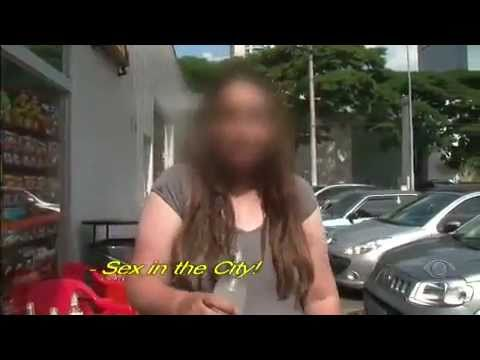 Mulher Bebada - Programa exibido em 27.05.2011 - Mostra a ação da Policia e do SAMU para levar para o hospital um cliente que estava ha varias horas bebendo.