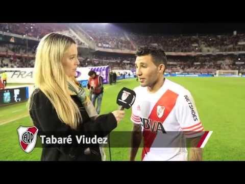Tabar� Viudez, tras marcar su primer gol en el Monumental