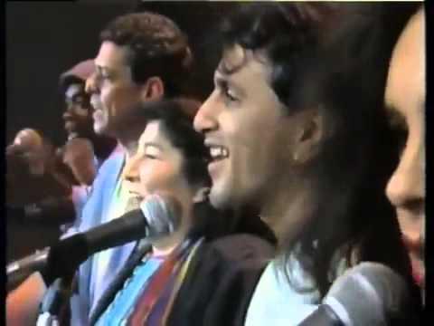 Mercedes Sosa, Chico Buarque, Caetano Veloso, Milton Nascimento e Gal Costa   Volver a los 17