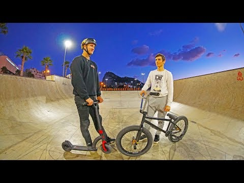 BMX VS SCOOTER: WRECKED BY KID IN GAME OF BIKE (видео)
