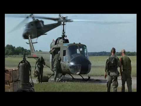 vijetnam - Forrest Gump arriving with chopper in 'Nam.