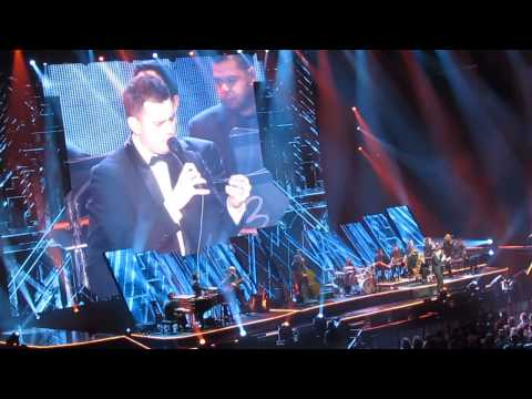 MICHAEL BUBLE' - YOU MAKE ME FEEL SO YOUNG & MOONDANCE & COME DANCE WITH ME - MILAN 27/01/2014