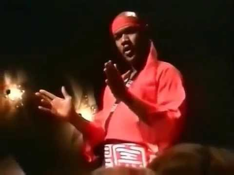 Carl Douglas  Kung Fu Fighting  (Original Music Video)