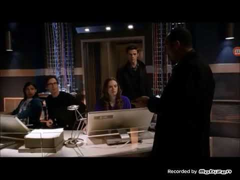 The Flash 1x17 The Flash vs The Trickster/ Barry tells his Dad that he is The Flash