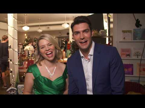 Tinsel Trivia  with Ali Liebert & Peter Porte -  Cherished Memories: A Gift to Remember 2