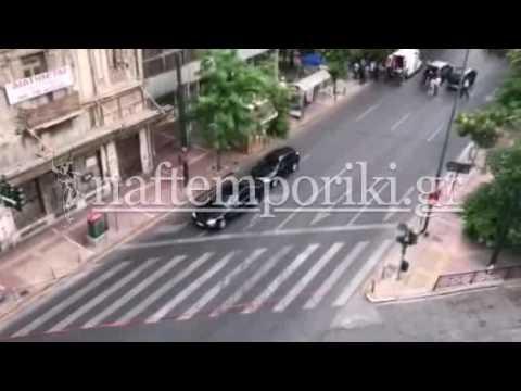 Έκρηξη στο αυτοκίνητο του Λουκά Παπαδήμου