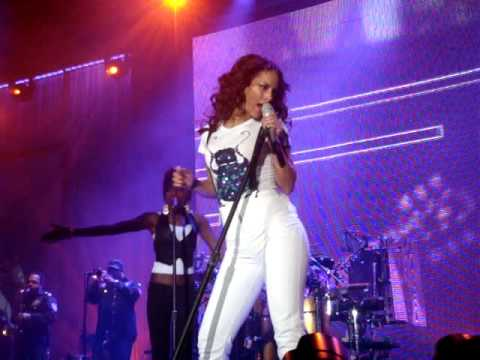 Alicia Keys@Ahoy Rotterdam 27 Okt '08-You Don't Know My Name