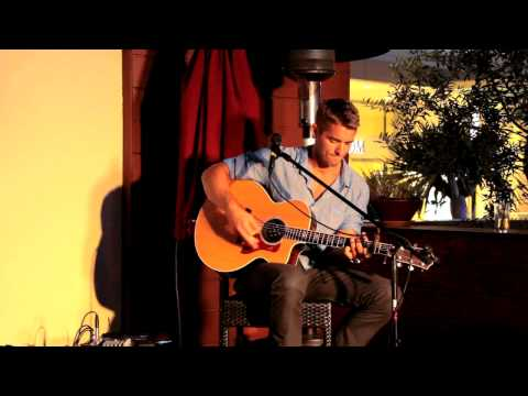 Video Brett Young-