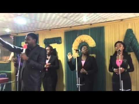 Singing STATUS by Vashawn Mitchell