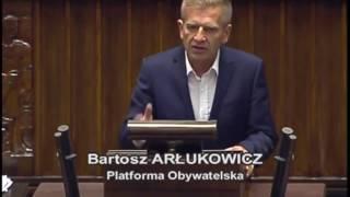 Kaczyński chory z nienawiści, a Tarczyński po prostu chory.