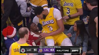 Anthony Davis Falls into Stands and Onto Kevin Hart During Lakers-Clippers