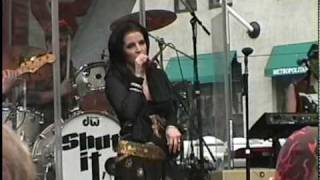 Lisa Marie Presley - Dirty Laundry - YouTube