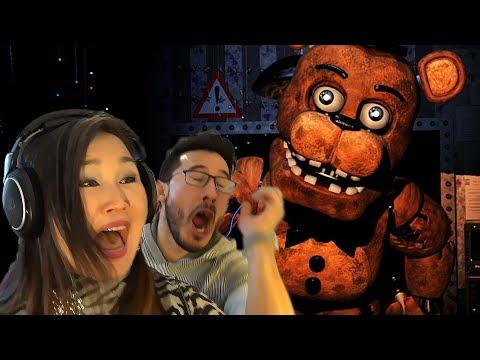 My Mom Plays Five Nights at Freddy's 2 (видео)
