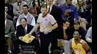 Find all NBA Referees Wired videos on http://nba-referees-wired.com/videosWatch and listen in on wired NBA referees as Steve Javie talks to Reggie Miller, Jon Barry and Phil Jackson. Especially Phil Jackson is in a great mood. So is Tony Brothers even though Chicago Bulls head coach Tom Thibodeau finds him a little testy.