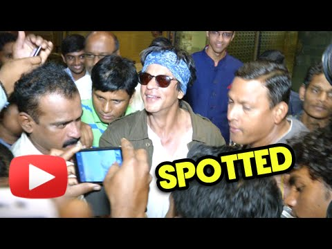 SPOTTED Shahrukh Khan At the Airport Post Dilwale