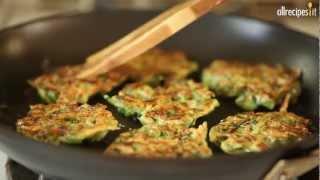 Videoricetta: frittelle salate di zucchine