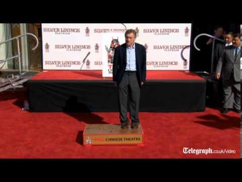 De Niro cements Hollywood status with handprints