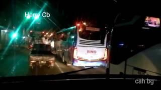 Video Siapa yg salah? senggolan Truck Vs iringan bus Parwis,Spion Patah MP3, 3GP, MP4, WEBM, AVI, FLV Februari 2018