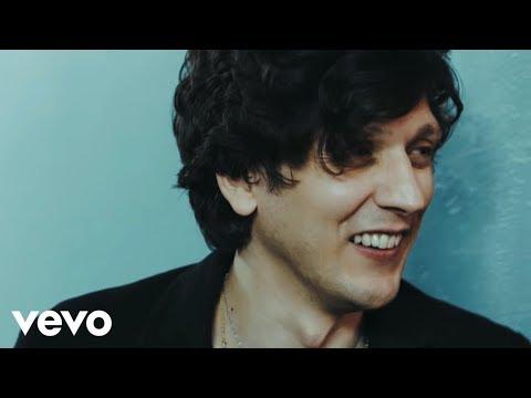 , title : 'Ermal Meta - Ragazza Paradiso (Official Video)'
