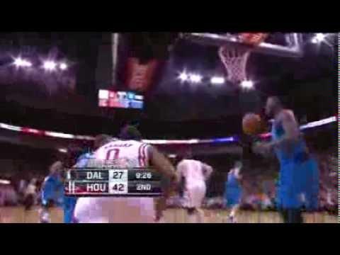 Aaron Brooks - Driving Lay Up in Transition vs Mavericks