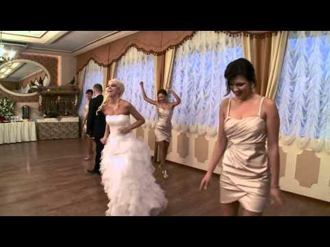 Pierwszy taniec weselny, z druhenkami. Spice girls ;-)