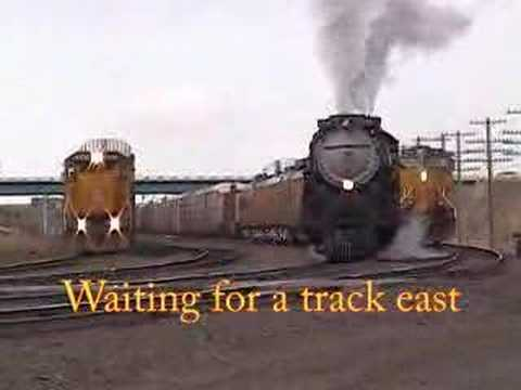 3985 Prepares for departure east from Cheyenne 22may04