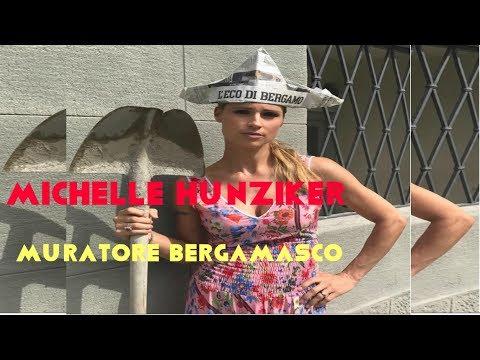 Michelle Hunziker si improvvisa muratore e canta in bergamasco