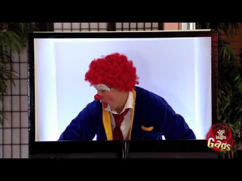[Just4Laughs Gags Vol 1] Tập 103: Scary Clown in a Real 3D TV Prank