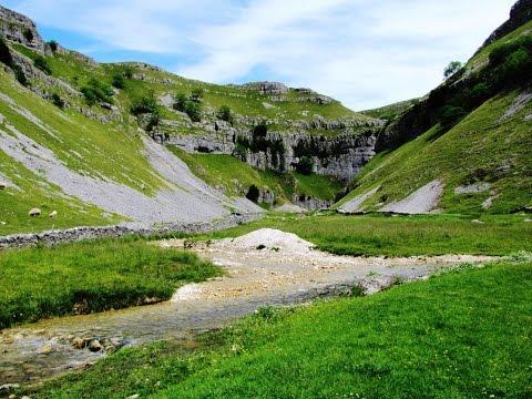 Malham – Gordale Scar – Malham Tarn – Malham Cove round   yorkshire dales  Walks