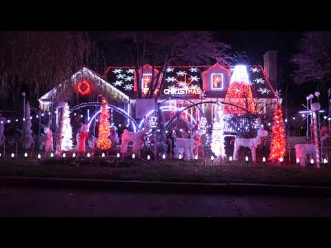 Christmas on Cleveland Street, a Wilmette winter wonderland