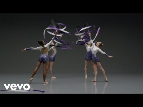Shake It Off Outtakes Video #6 – The Ribbon Dancers (Behind The Scenes Video)