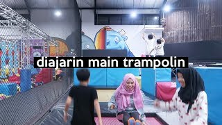 Video Diculik Krucil Main Trampolin HAHAHA JATOH MULU | SOHWAcam MP3, 3GP, MP4, WEBM, AVI, FLV Mei 2019
