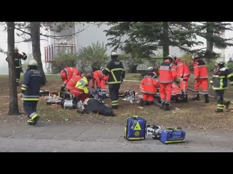 Hamburg: Psychisch Kranker zündet drei Behördenmitarb ...