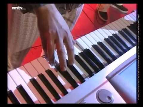 Bersuit Vergarabat video Vuelos - CM Vivo 2000
