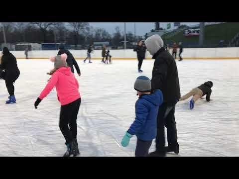 Wideo1: Lodowisko w Lesznie - otwarcie sezonu 2018
