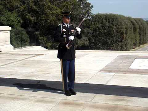 Tomb of the Unknown Soldier- guard yells at laughing crowd to show respect
