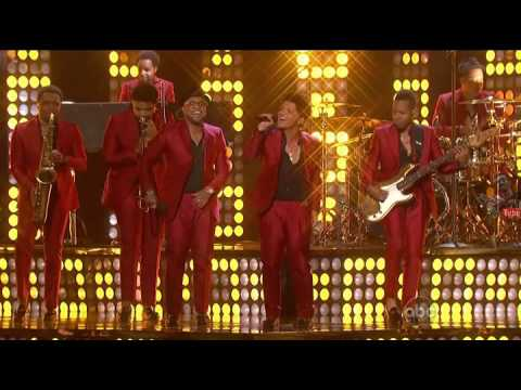 treasure - Hello youtubers This is Reg-D (http://www.facebook.com/regisdor) This is a video of Bruno Mars performing Treasure in Billboard Music Awards 2013 #Reg-DCut S...
