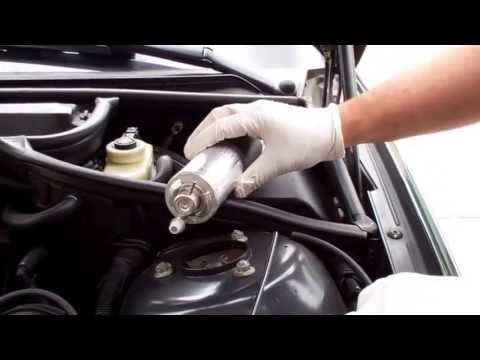 BMW E46: Fuel Filter and Pressure Regulator Vacuum Line Replacement