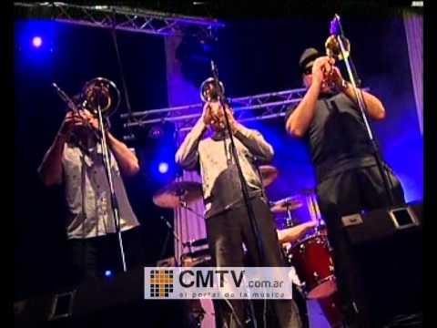 La Mosca video Por eso a dónde vas yo voy - CM Vivo 11-07-2012