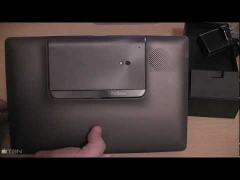 padfone station unboxing - ASUS Padfone + Padfone Station: http://www.mobicity.com.au/asus-padfone-phone-and-tablet.html.