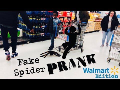 Spider prank in Walmart!!