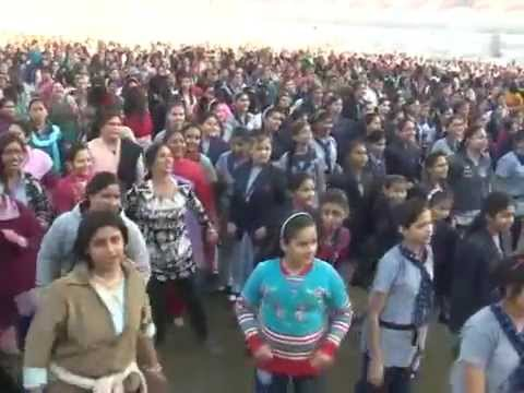 Thousands of Girls in Ahmedabad dance while learning self-defense steps