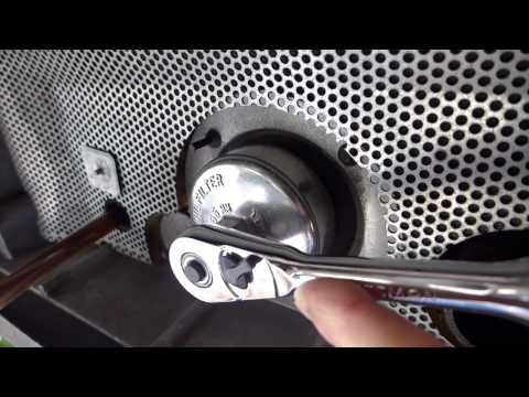 Onan - This video is about Onan 5500 Oil Change.