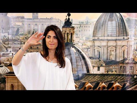 Ιταλία: Η Βιρτζίνια Ράτζι έγινε η πρώτη γυναίκα Δήμαρχος Ρώμης