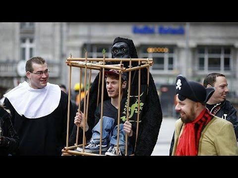Κολωνία: Καρναβάλι στον απόηχο των σεξουαλικών επιθέσεων της Πρωτοχρονιάς