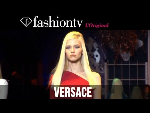 fashiontv - http://www.FashionTV.com/videos MILAN - FashionTV snags a seat in the front row of the Versace Fall/Winter 2014-15 show at Milan Fashion Week. This collectio...