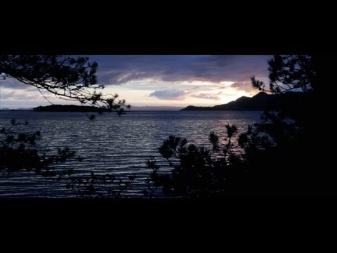 17 55mm - A short impression of beautiful Norway. Filmed with the Canon EOS 550D/Rebel T2I using the Canon EF-S 17-55mm 1:2.8 IS USM lens. Music: http://freemusicarchi...