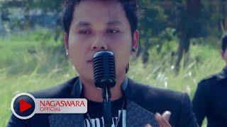 Video Nirwana - Jangan Tunggu Aku Pergi (Official Music Video NAGASWARA) #music MP3, 3GP, MP4, WEBM, AVI, FLV Desember 2018