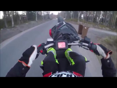 Yamaha slider stunt 2017