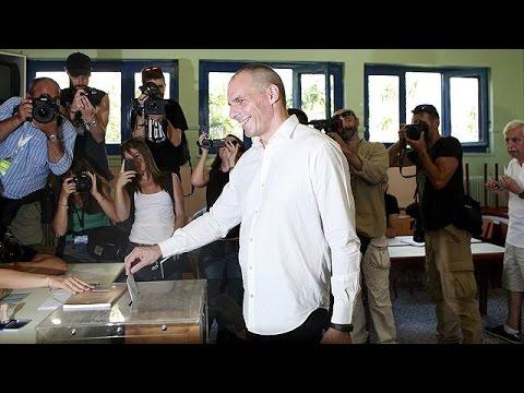 Βαρουφάκης: «Κοινό νόμισμα και Δημοκρατία μπορούν να συμβιώσουν».
